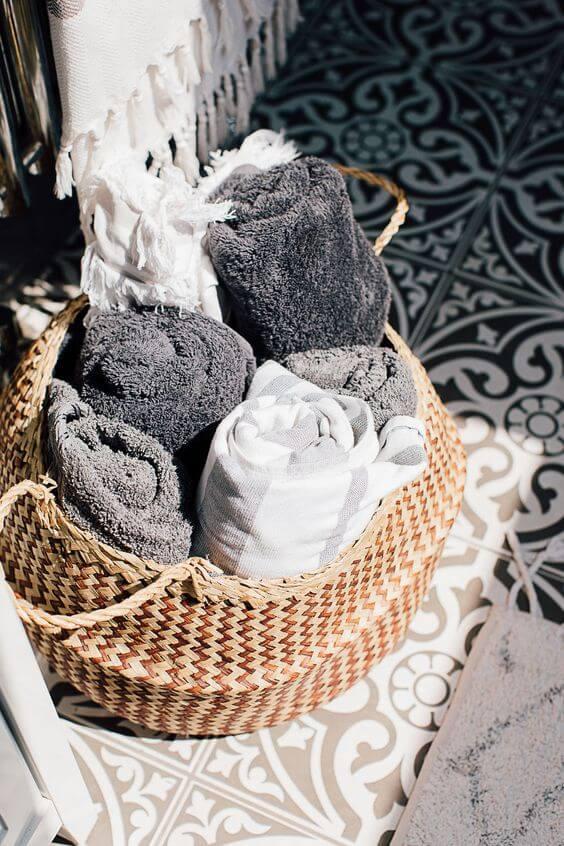 καλάθια rattan για το μπάνιο